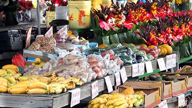fresh-fruits-vegetables-farmers-market-honolulu