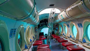 empty-submarine-tour-underwater