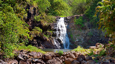 waimea-valley-waterfall-oahu